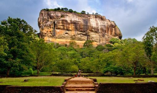 Een visum aanvragen voor uw reis naar Sri Lanka (e-visum)